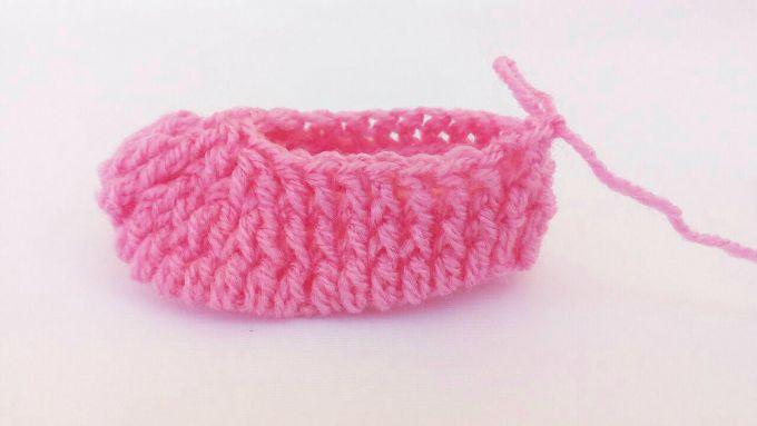 crochet baby booties step 6