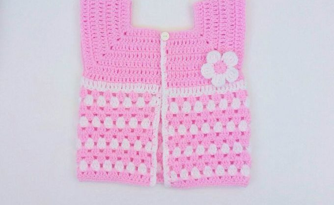 Crochet Baby Cardigan Pattern – With Granny Stitch!