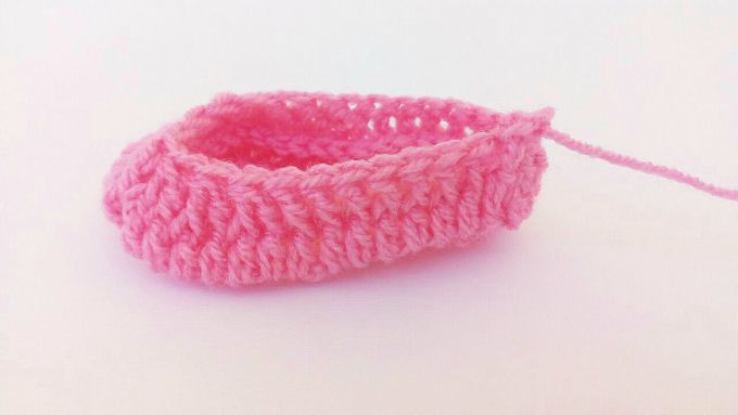 crochet baby booties step 5