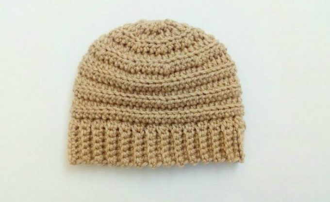 Free Crochet Baby Hat Pattern – The Beehive Beanie!