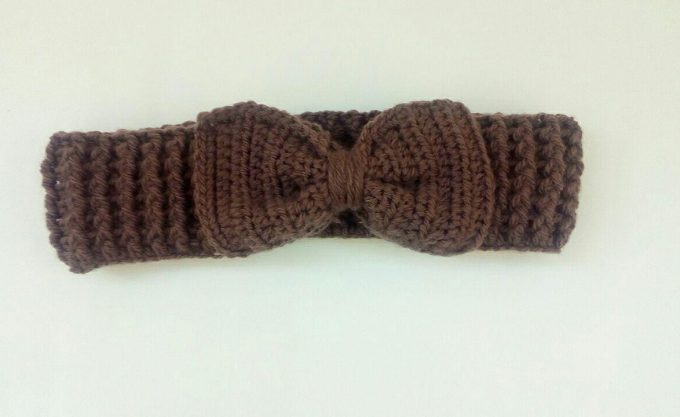 Crochet Headband Pattern Free – Cute Bow Ear Warmer!