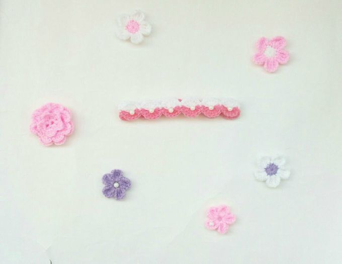 crochet baby headband with flower 3